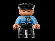10809 La patrouille de police 6