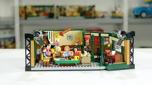 LEGO Central Perk Designer Video LEGO Ideas 21319 Friends TV Show