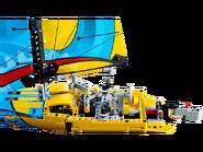42074 Le yacht de compétition 3