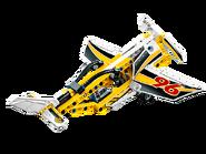 42044 L'avion de chasse acrobatique 3