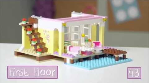 LEGO Building with Friends - Stephanie's Beach House Quick Build