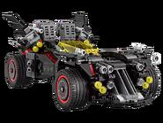 70917 La Batmobile suprême 4