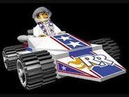 RR's white car'n'suit