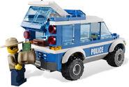 4440 Le poste de police en forêt 3
