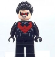 2014-LEGO-Batman-Nightwing-Minifigure-291x300