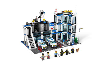 polizeistation 7498 lego wiki fandom powered by wikia. Black Bedroom Furniture Sets. Home Design Ideas