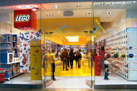 LEGO Retail Store | Brickipedia | FANDOM powered by Wikia