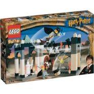 250px-4704 box