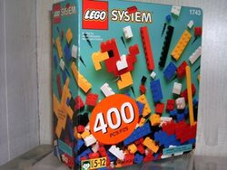 1743-Box of Standard Bricks, 5+