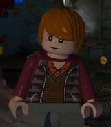 Weasley, Ron (karierter brauner Westover und dunkelrote Jacke, vorn)
