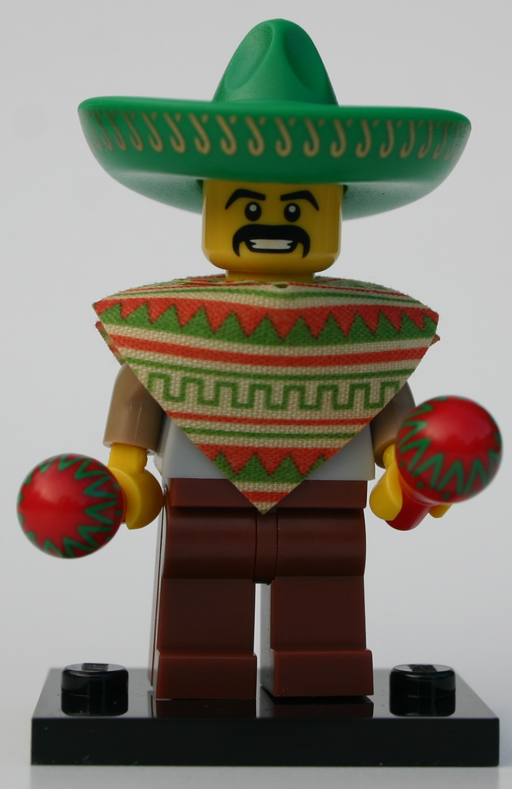 1 x GREEN MEXICAN MINIFIGURE SOMBRERO HAT WITH GOLD PATTERN NEW LEGO