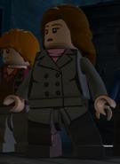 Granger, Hermine (grauer Mantel, vorn)