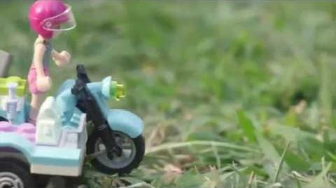 """LEGO Building with Friends - """"How To"""" First Aid Jungle Bike"""