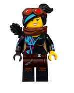 LEGO-Movie-2-70830-Sweet-Mayhem's-Systar-Starship-04-768x961