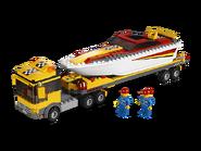 4643 Le transport du bateau à moteur