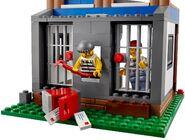 4440 Le poste de police en forêt 10