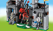 70402 L'attaque de la porte du château 4