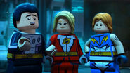 Lego-justice-league-cosmic-clash-04
