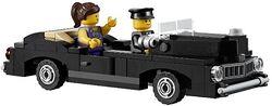 10232-LEGO-Palace-Cinema-Car