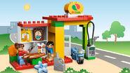 6171 La station-service 2