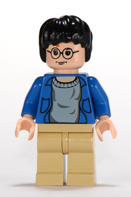 LEGO Boy Kids Minifigure w// Green Sweater Over Blue Shirt /& Tan Blonde Hair