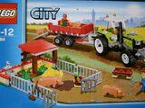 Ferkel-Gehege mit Traktor 7684