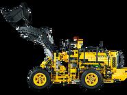 42030 La chargeuse sur pneus télécommandée VOLVO L350F 2