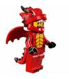 Série 18 Homme déguisé en dragon