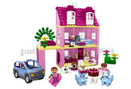 4966-Doll's House