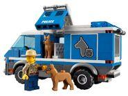 4441 Le fourgon du chien de police 4