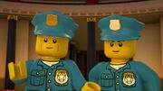 Officiers Noonan et O'Doyle-Avis de tempête