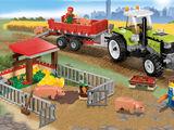 7684 La porcherie et le tracteur