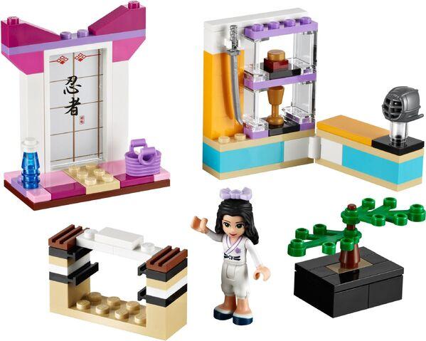 File:Lego-41002-emma-karate-class-friends-ibrickcity-2.jpg