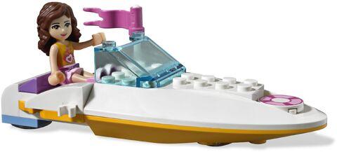 File:Olivias-Speedboat 18396 2.jpg