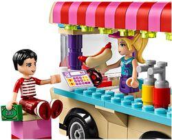 Amusement Park Hot Dog Van 3