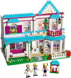 Stephanie-s-House-set-build-41314-600x600