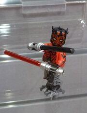 LEGO-Cyborg-Darth-Maul-Minifigure-Summer-2013-Set-75022-e1363143324769