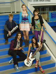Adam-Hicks-Blake-Michael-Bridget-Mendler-Naomi-Scott-Hayley-Kiyoko-Lemonade-Mouth-532x710