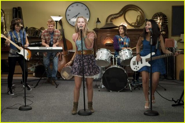 File:Hayley-kiyoko-lemonade-mouth-stills-03.jpg