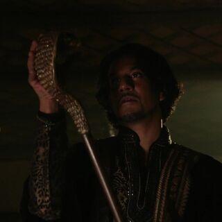 ... que Jafar transforma en serpent, puis en sceptre.