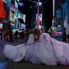 Giselle à Time Square (<small>Il était une fois</small>)