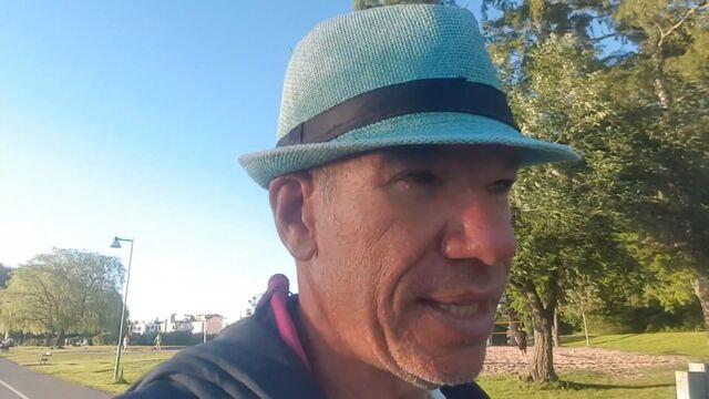 File:Old hat.jpg