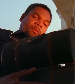 File:Officer Thompson.png
