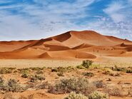 Le-desert-namib-dunes-orange