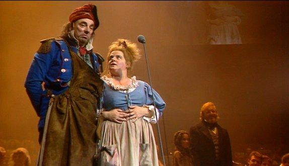 File:Lesmiserables-concert4-large.jpg