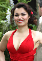 Samantha barks hot 5.jpg-large