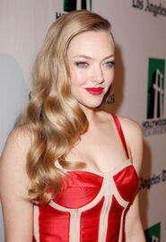 Amanda-seyfried-at-16th-annual-hollywood-film-awards-gala-in-beverly-hills-1