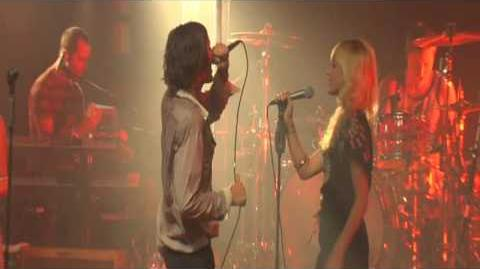 The All-American Rejects ft The Pierces - Another Heart Calls En vivo