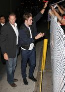 Robert-pattinson-levis-jeans-2