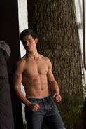 New Moon-taylor-lautner-Levi's-Jeans45